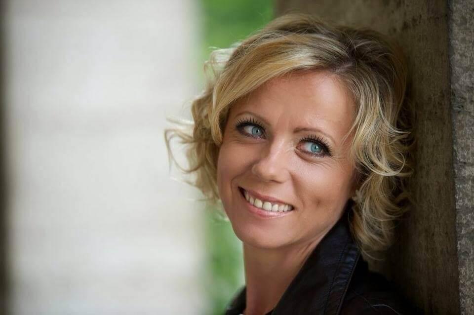 Galerie - Sängerin Kara (Katarzyna Luft)