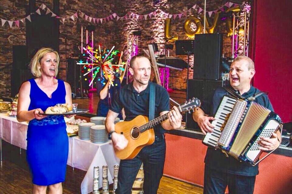 Galerie - Sängerin Kara, Pianist Mariusz Siuda & Gitarrist Thomasz Lucki